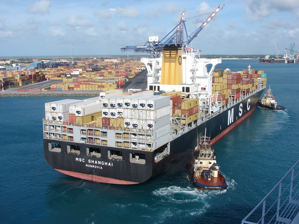 Container-Ship-Berthing